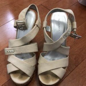 Banana republic wedges in off-white